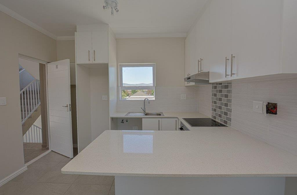 2 Bedroom Apartment / Flat For Sale in Table View