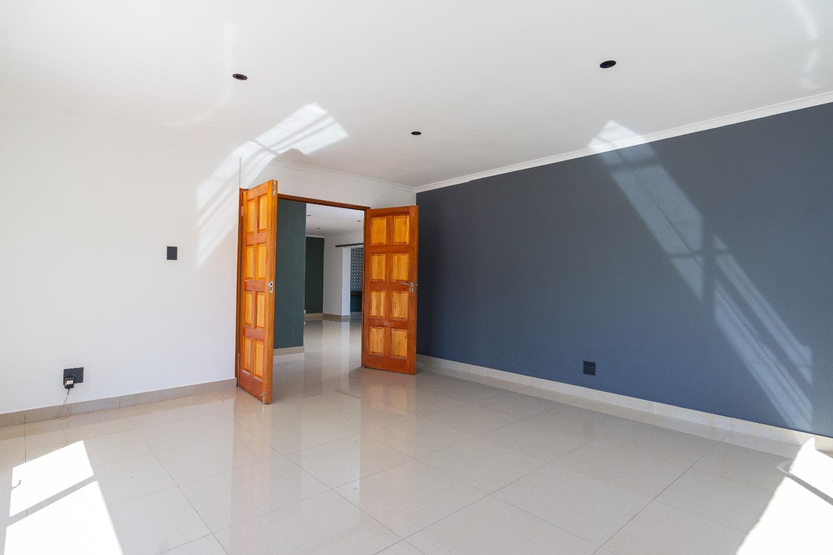 3 Bedroom House For Sale in Die Wingerd
