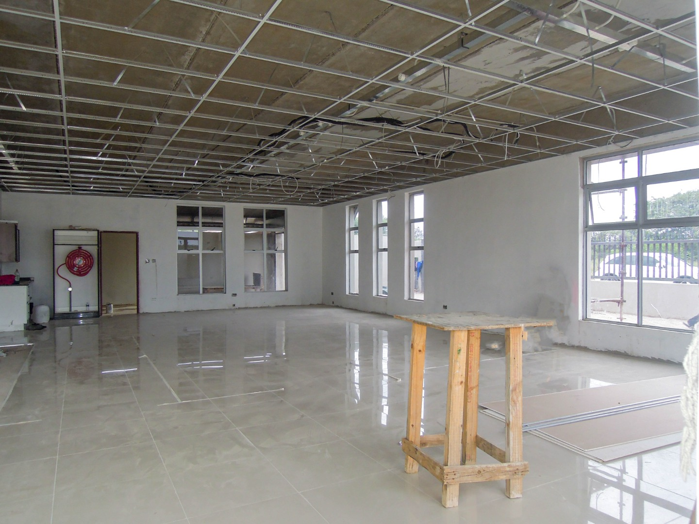 Commercial Property in Block 8 To Rent