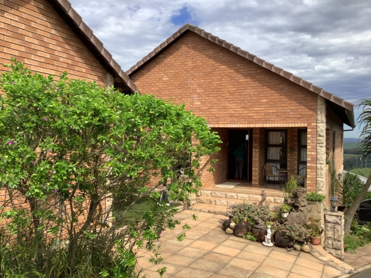 3 Bedroom Townhouse For Sale in Hillcrest Central