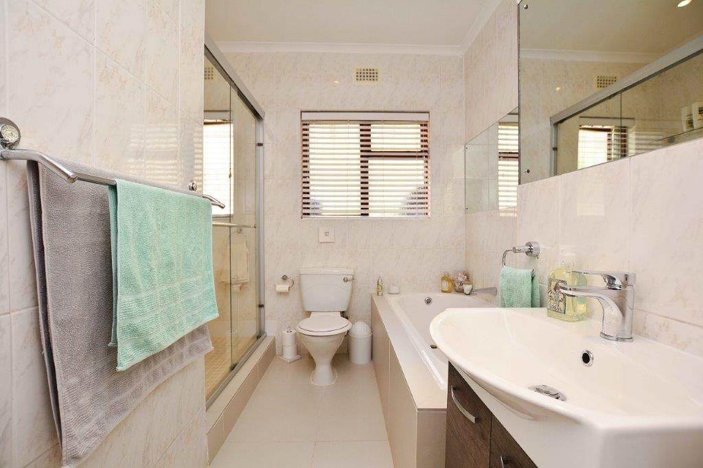 3 Bedroom House For Sale in Bloubergrant