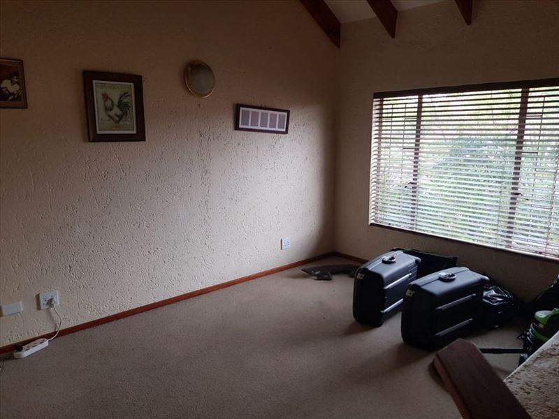 2 Bedroom House For Sale in Glen Marais