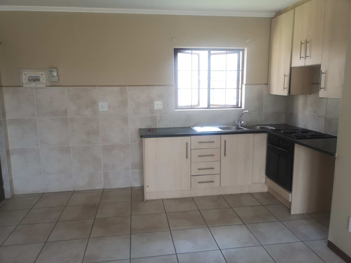 1 Bedroom Apartment / Flat For Sale in Summerfields Estate