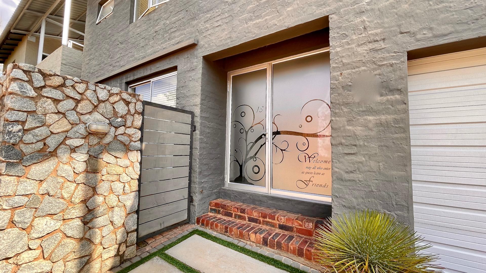 2 Bedroom Townhouse For Sale in Olympus AH