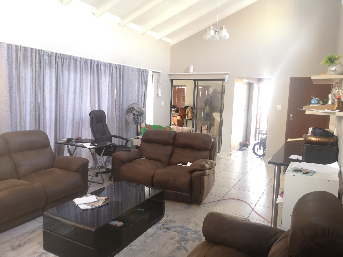 4 Bedroom House For Sale in Blue Hills