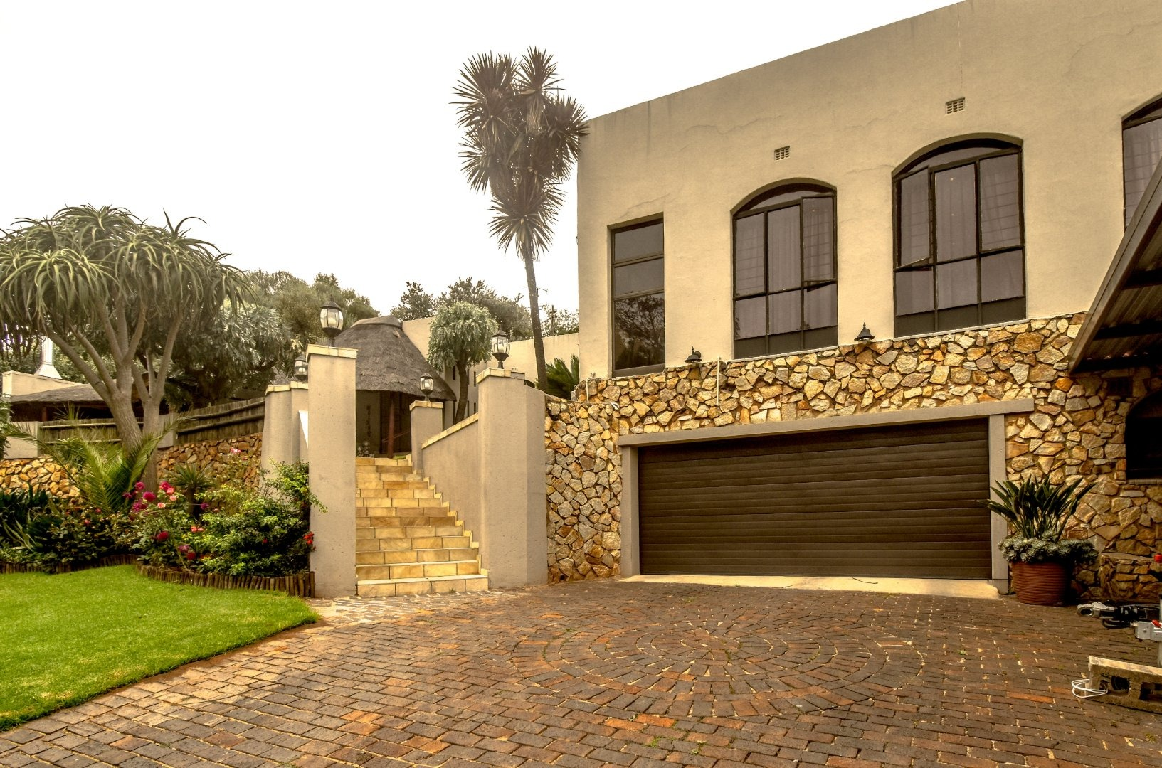 4 Bedroom House For Sale in Quellerina