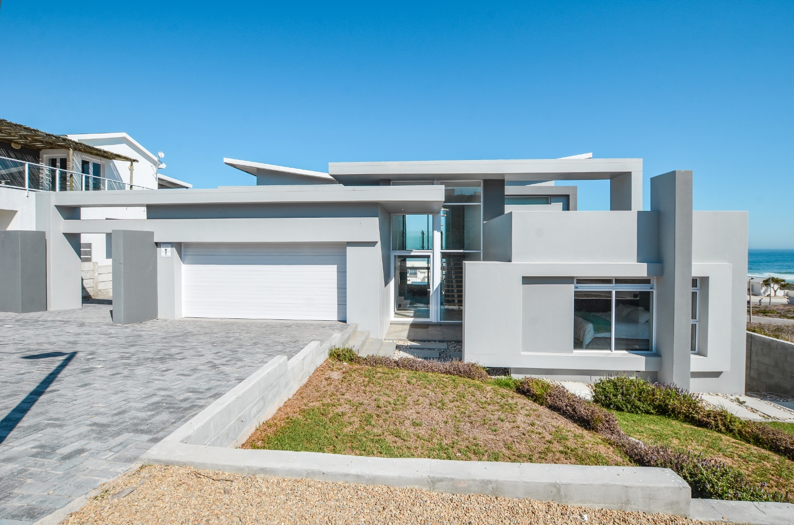 4 Bedroom House For Sale in Yzerfontein