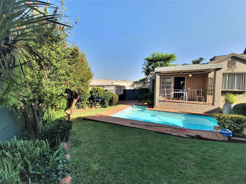 2 Bedroom House For Sale in Randpark Ridge