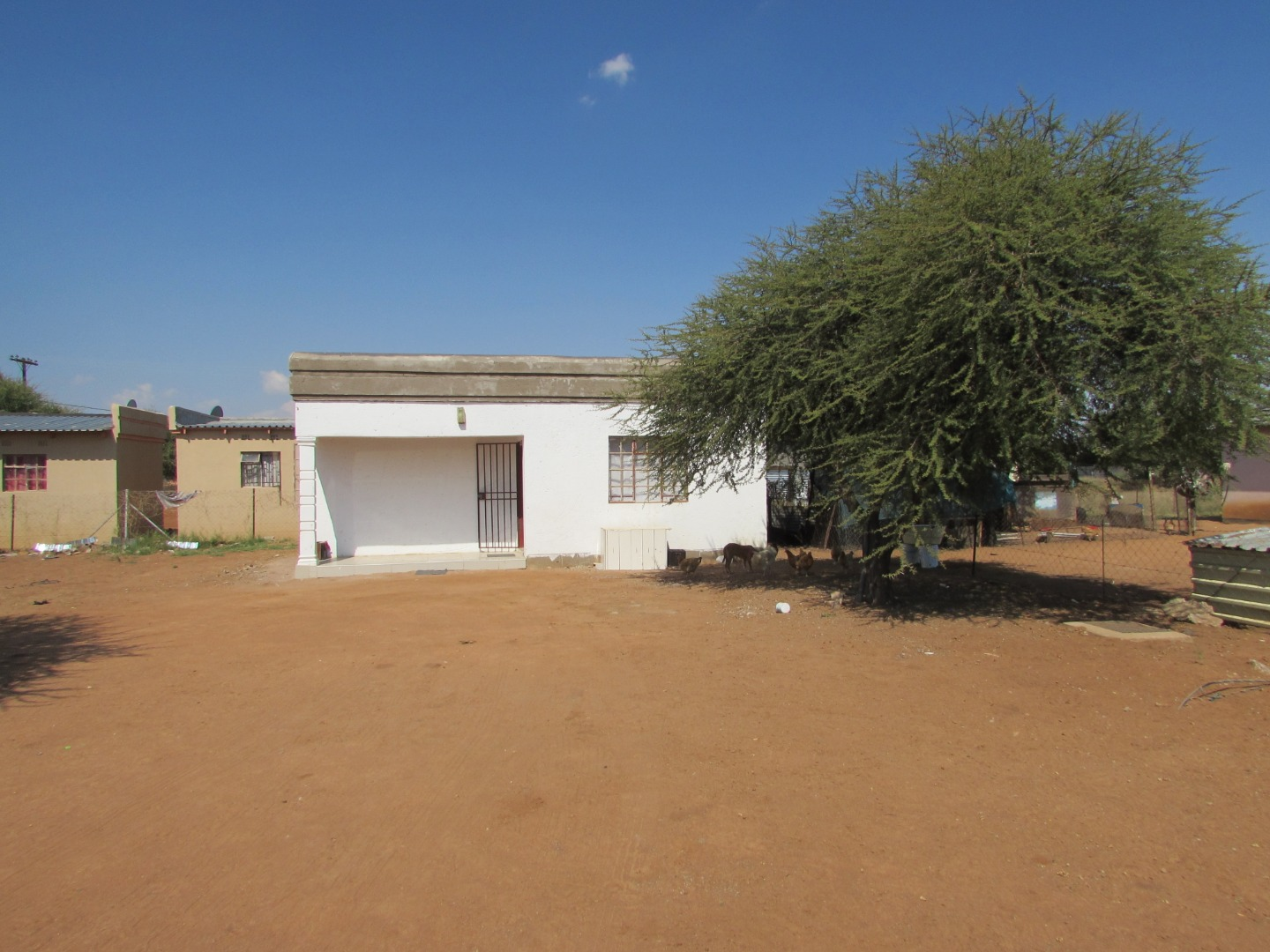 1 Bedroom House For Sale in Mmopane Central