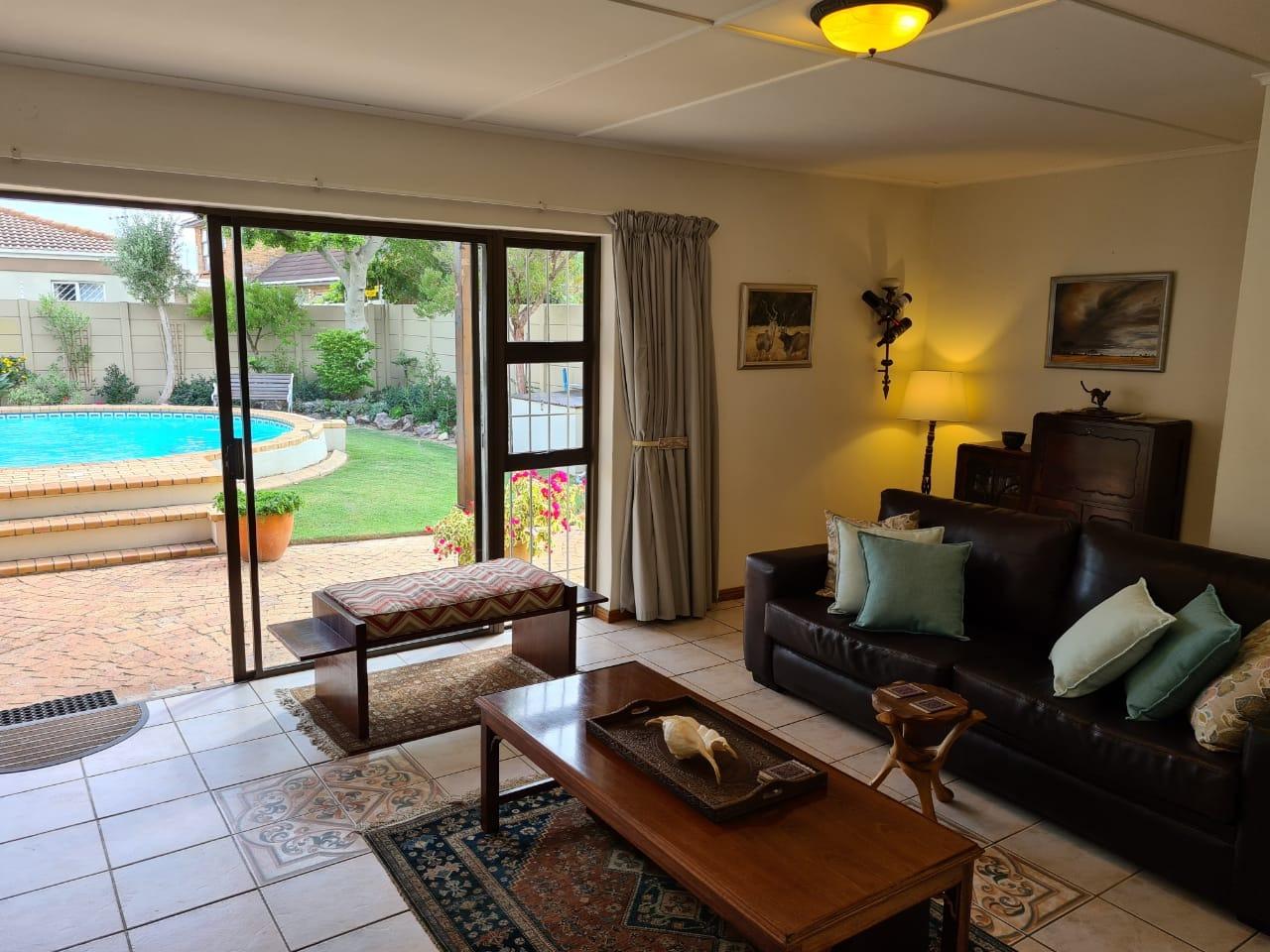 3 Bedroom House For Sale in Gordon Strand Estate