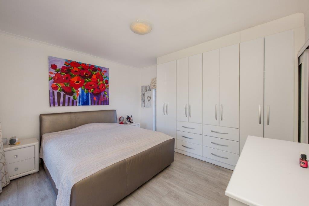 5 Bedroom House For Sale in Melkbosstrand Central
