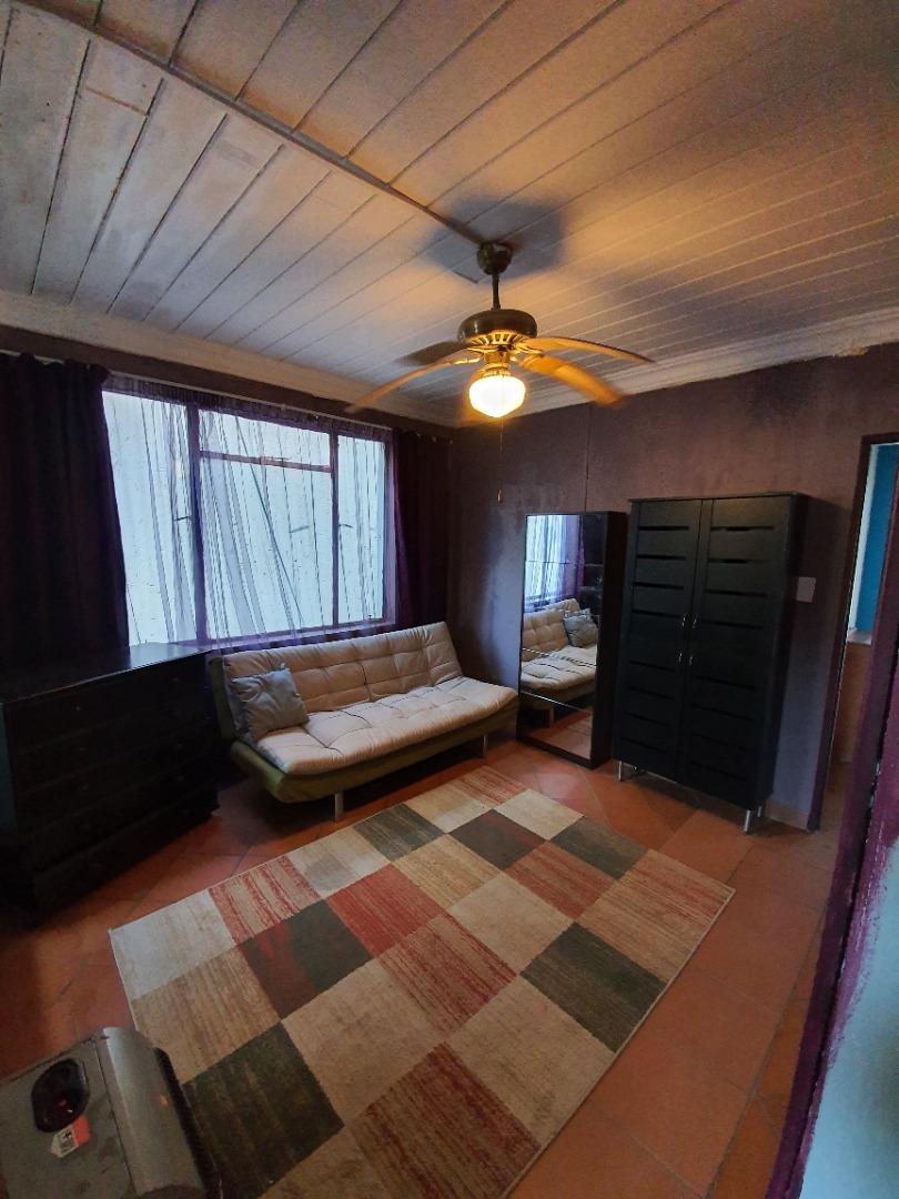 7 Bedroom House For Sale in Bronkhorstbaai