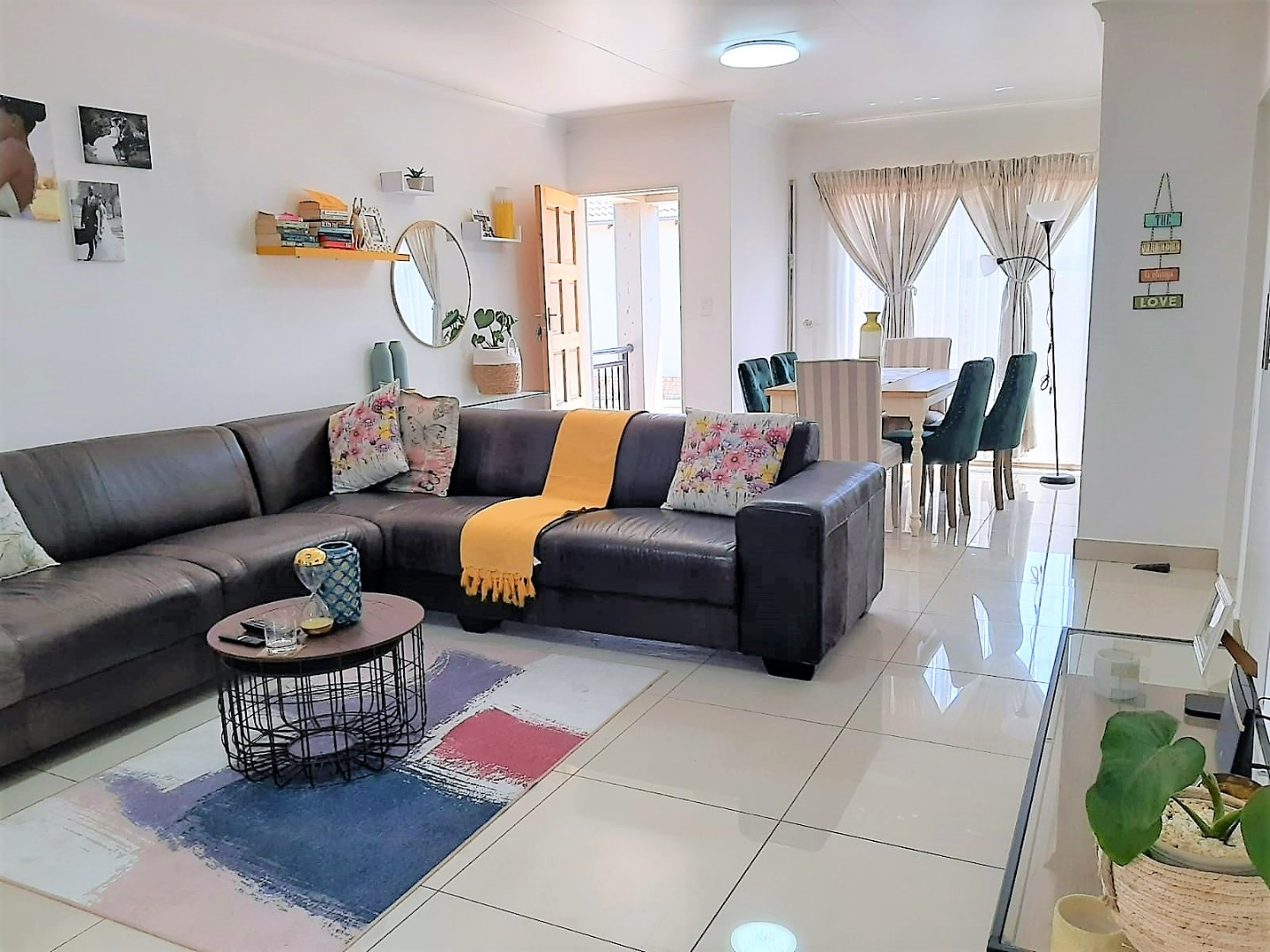 3 Bedroom Townhouse For Sale in Parkrand