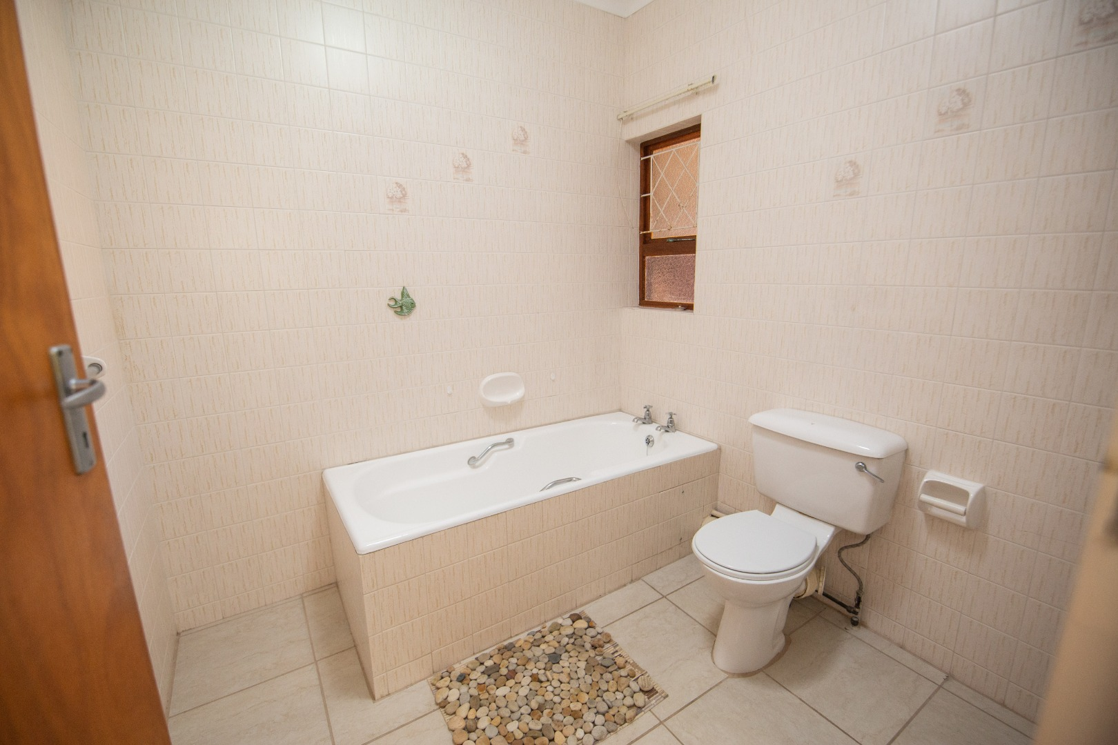 2 Bedroom Townhouse For Sale in Summerstrand
