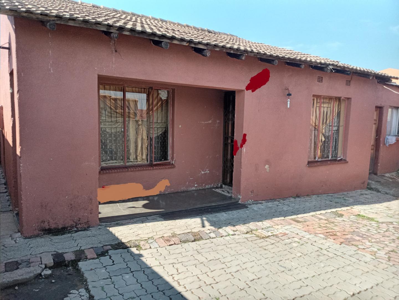 2 Bedroom House For Sale in Emfihlweni