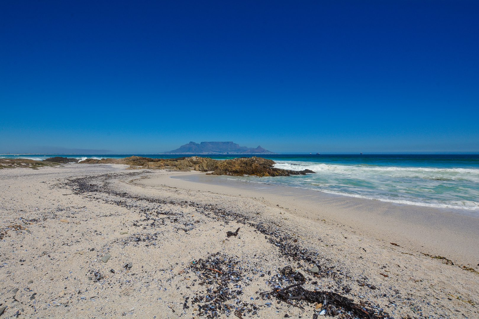 2 Bedroom Apartment / Flat For Sale in Bloubergstrand