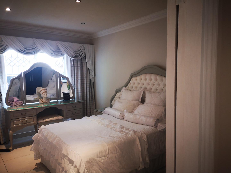 3 Bedroom Apartment / Flat For Sale in Desainagar