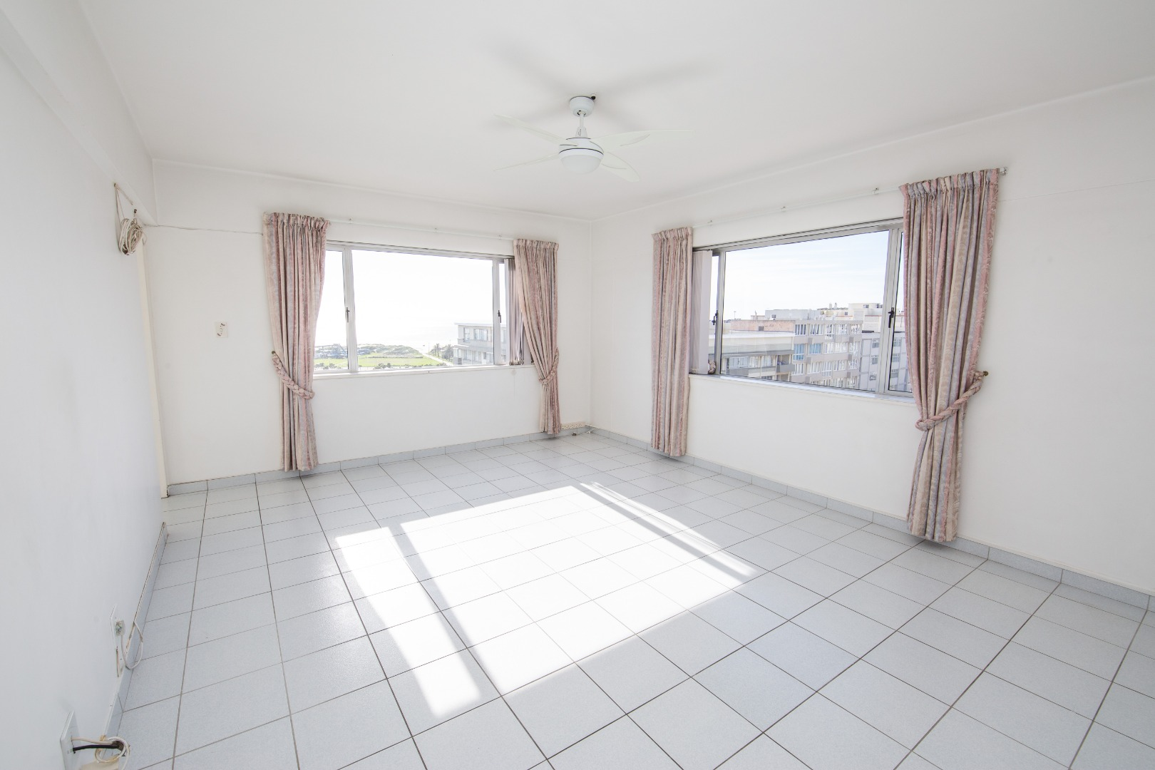 2 Bedroom Apartment / Flat For Sale in Humewood