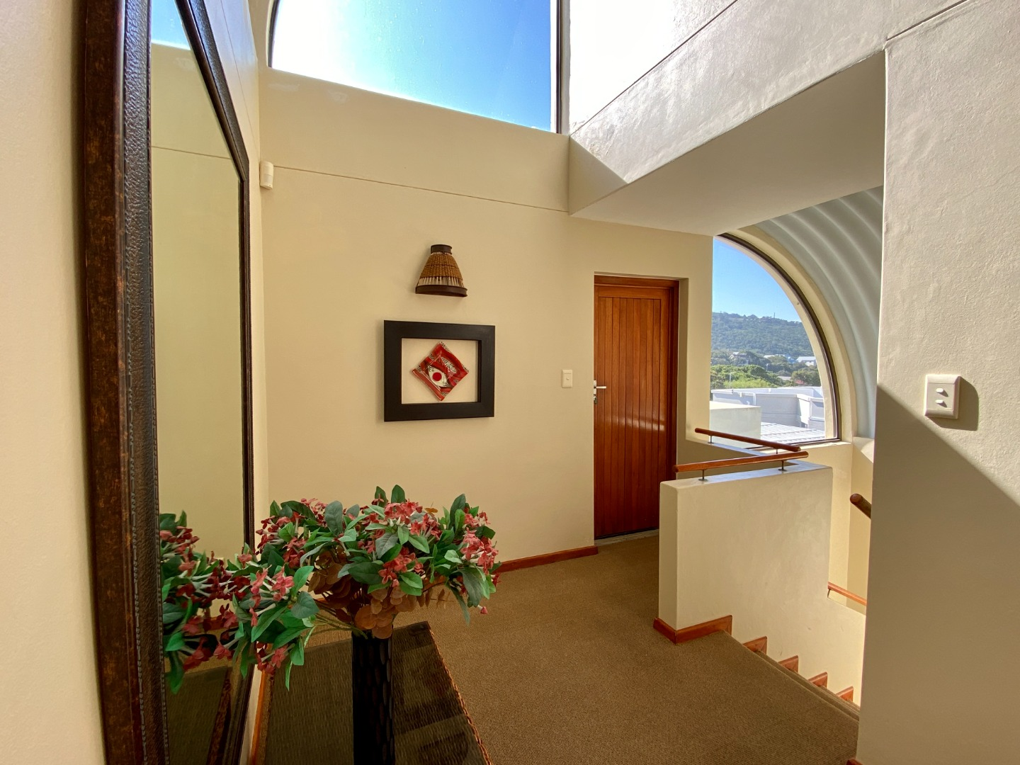 6 Bedroom House For Sale in Wilderness Central