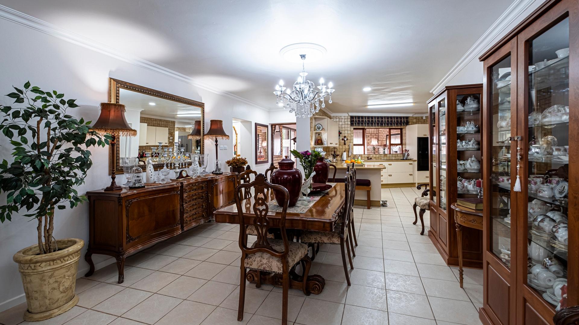 7 Bedroom House For Sale in Wavecrest