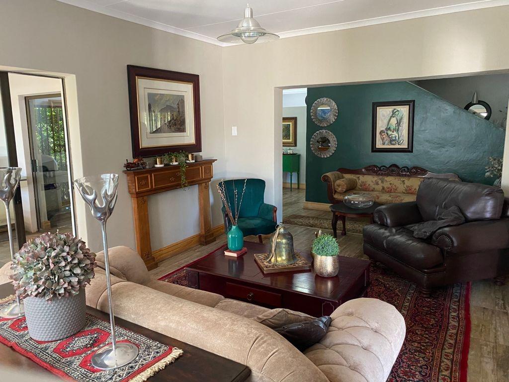 5 Bedroom House For Sale in Kuruman