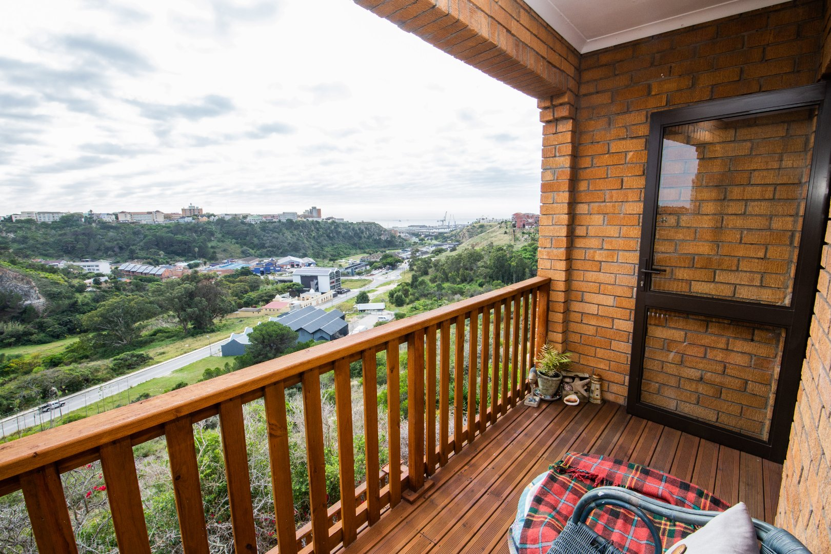 3 Bedroom Townhouse For Sale in South End