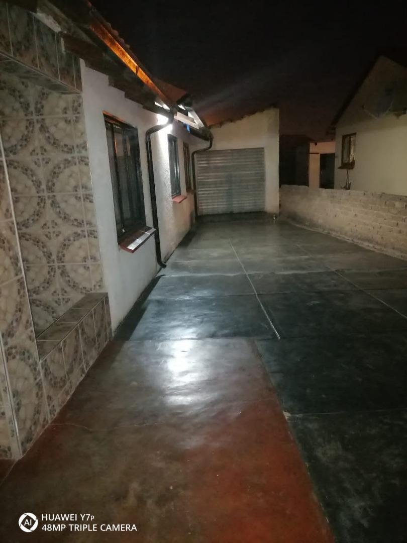 4 Bedroom House For Sale in Soshanguve GG