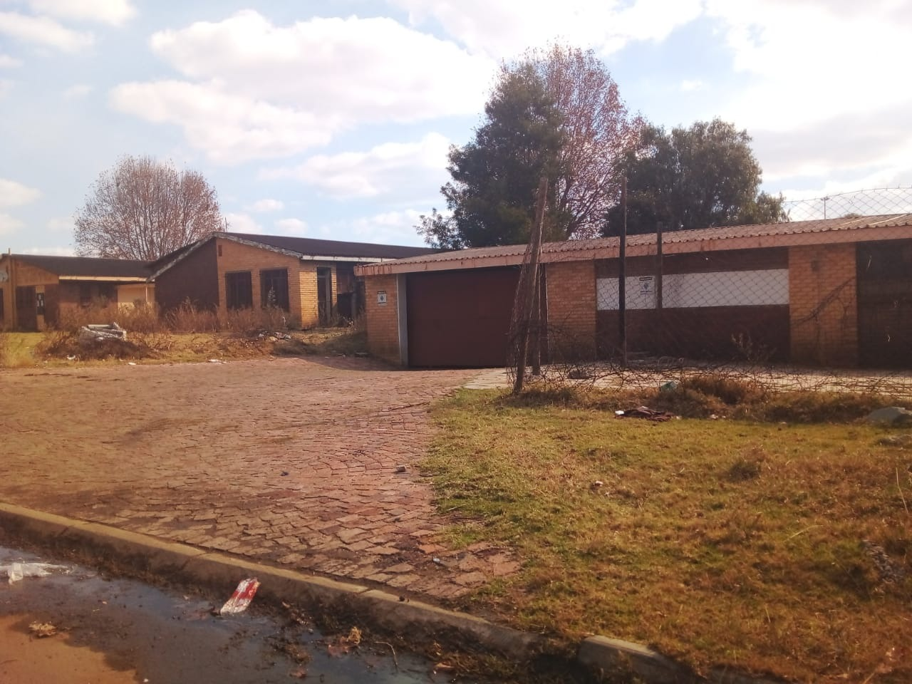 Commercial Property in Kwa Thema For Sale