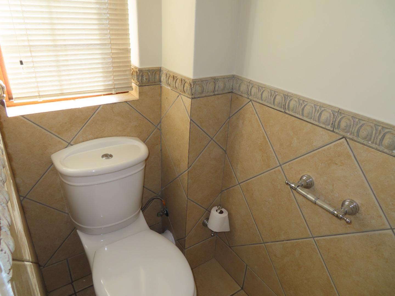 4 Bedroom House For Sale in Waterkloof Ridge