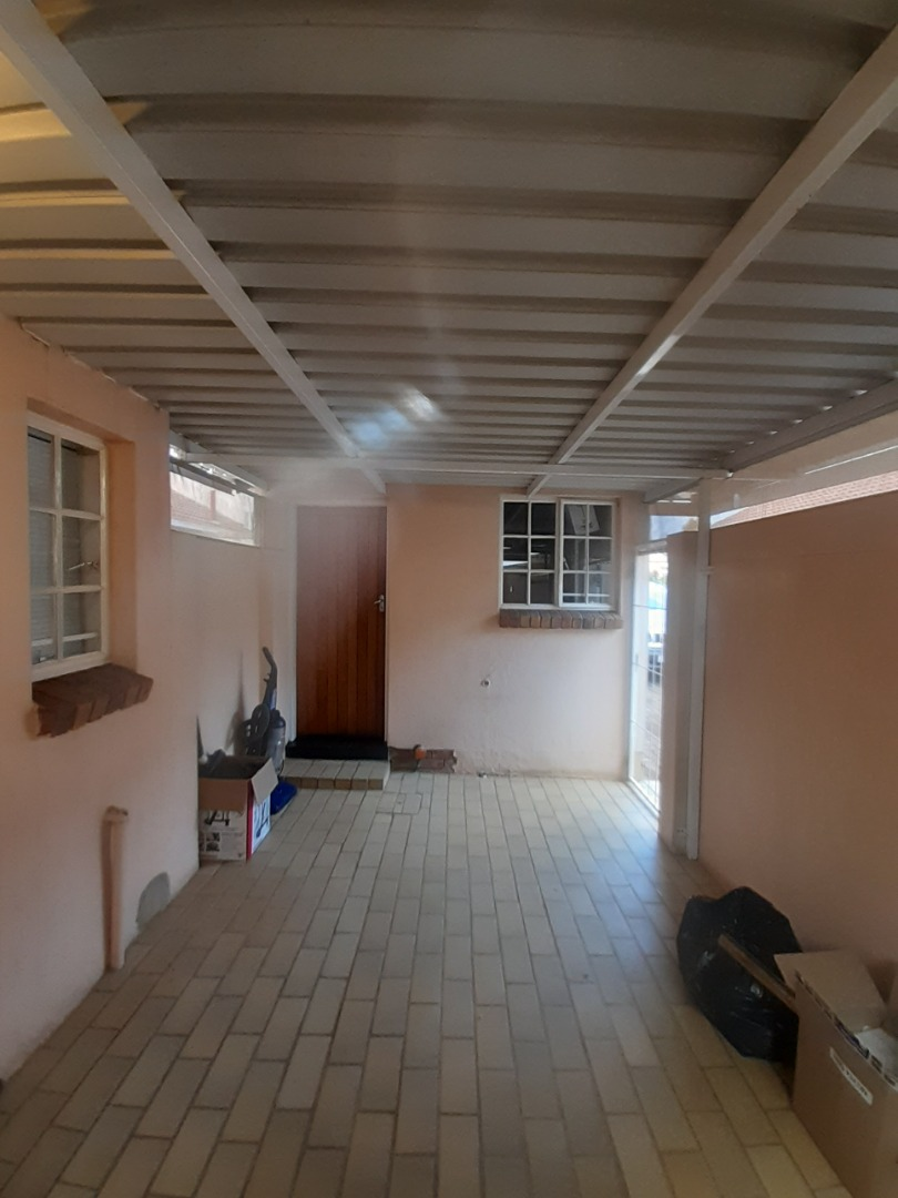 2 Bedroom House For Sale in Die Wilgers