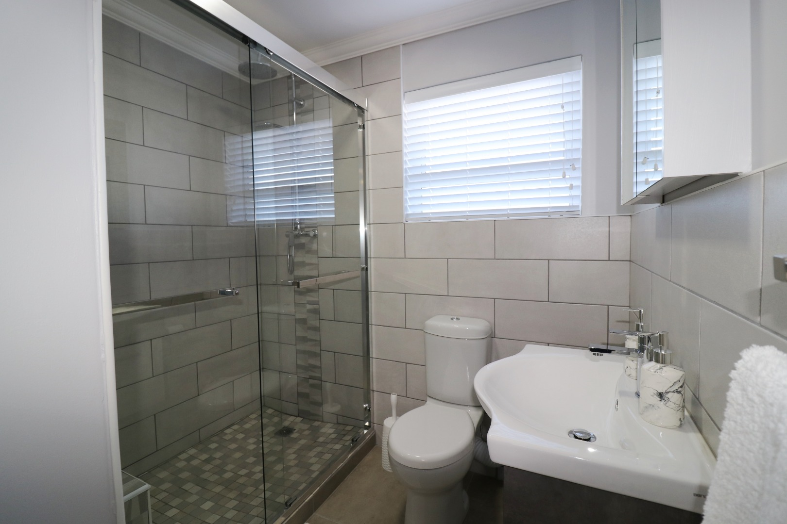 2 Bedroom House For Sale in Yzerfontein