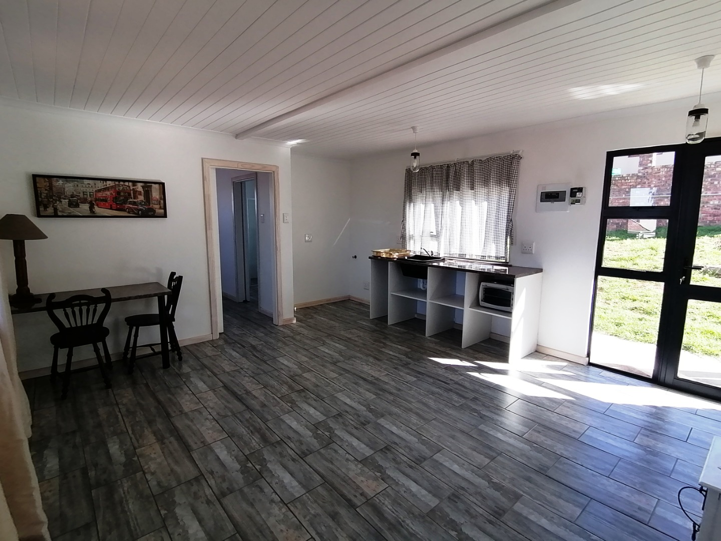 1 Bedroom Apartment / Flat To Rent in West Bank