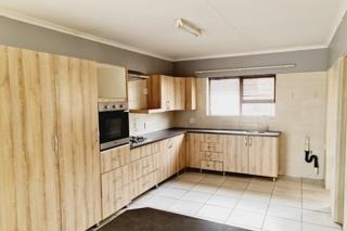 2 Bedroom Townhouse For Sale in Bethal