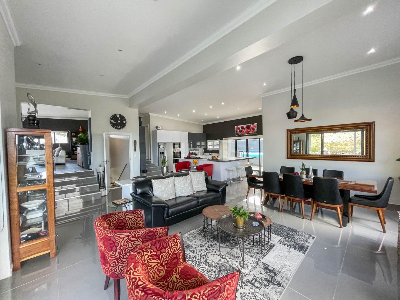 3 Bedroom House For Sale in Glencairn