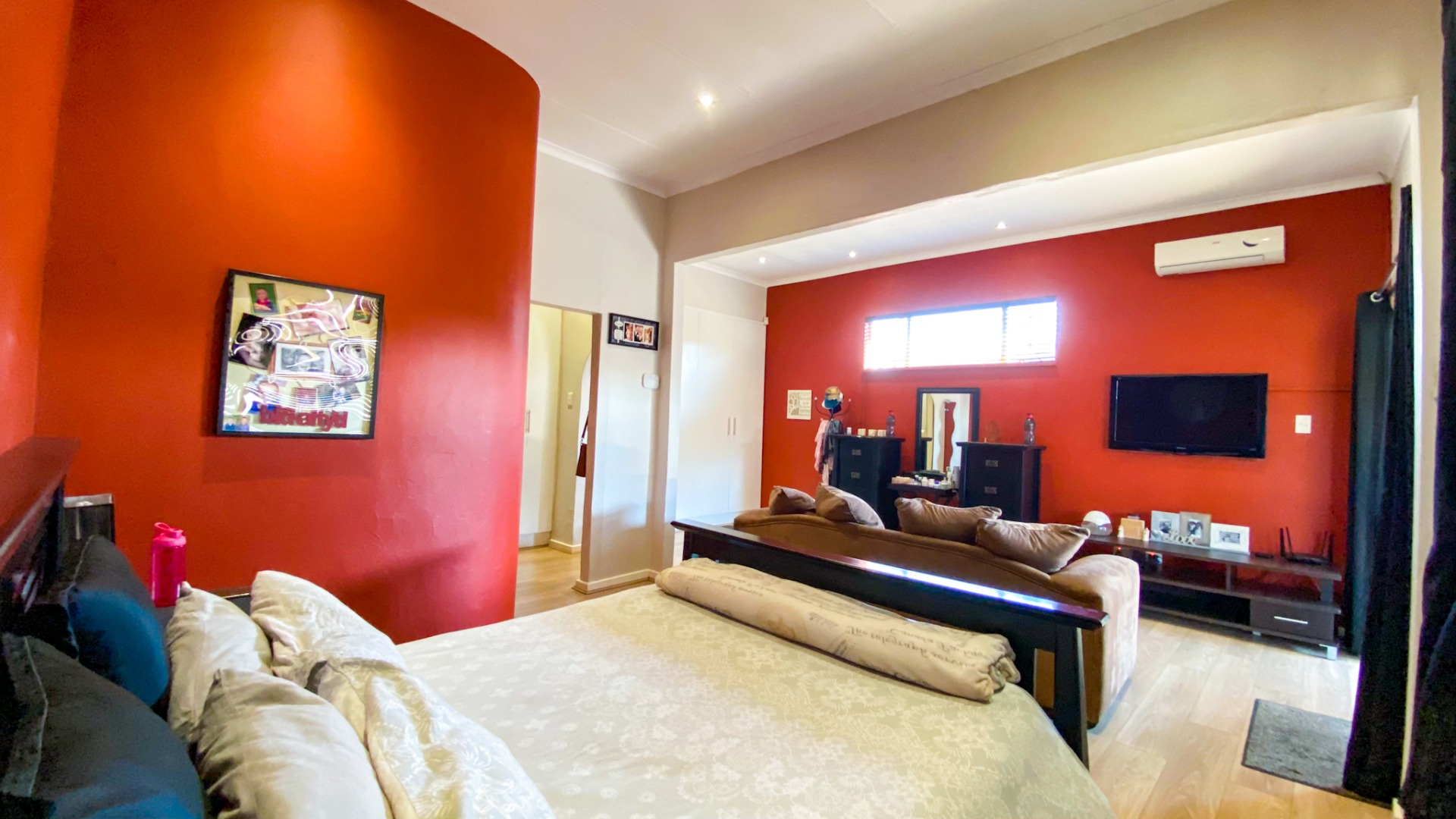 4 Bedroom House For Sale in Edelweiss