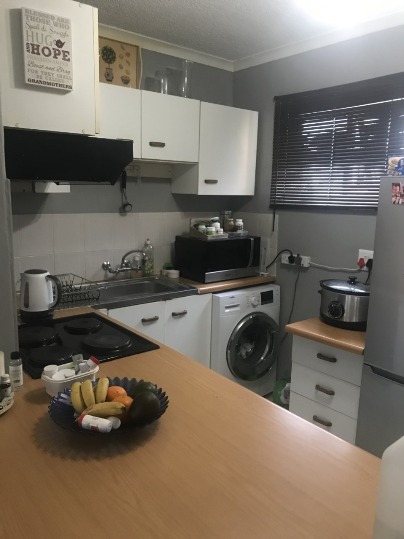 1 Bedroom Apartment / Flat For Sale in Humewood Extension