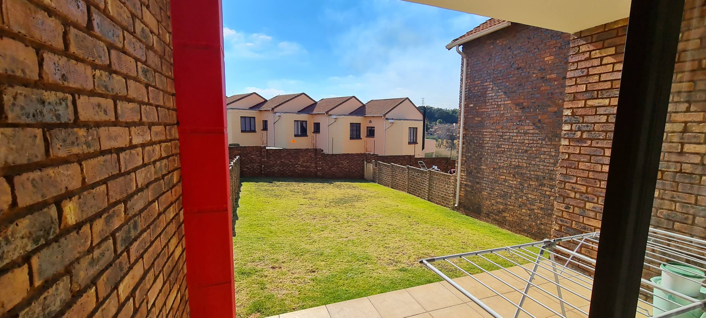 2 Bedroom Apartment / Flat For Sale in Mondeor