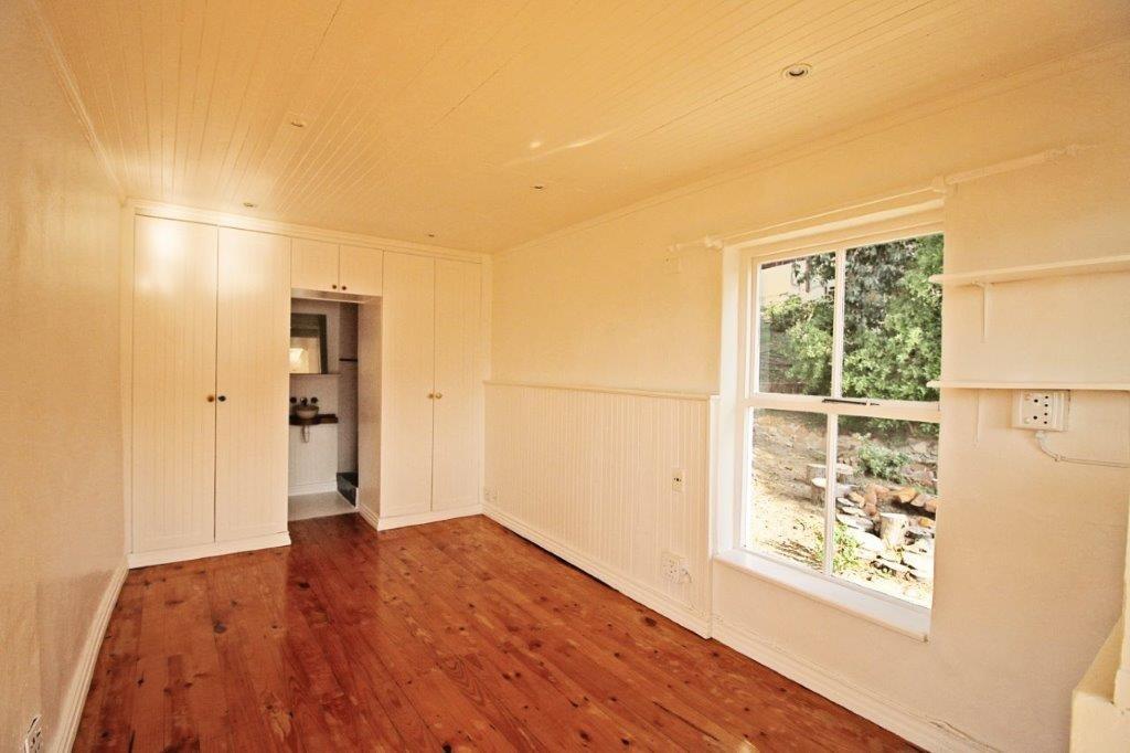 3 Bedroom House To Rent in Fish Hoek