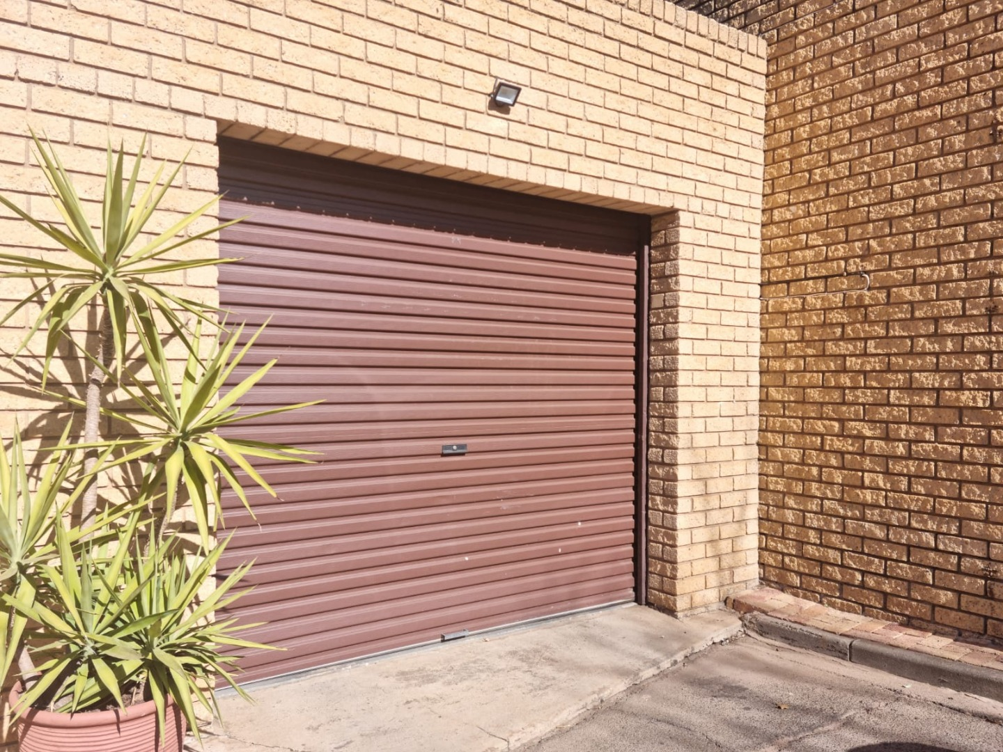 1 Bedroom Townhouse For Sale in Heidelberg Central