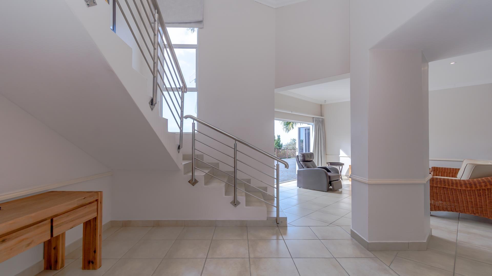 6 Bedroom House For Sale in Zinkwazi Beach