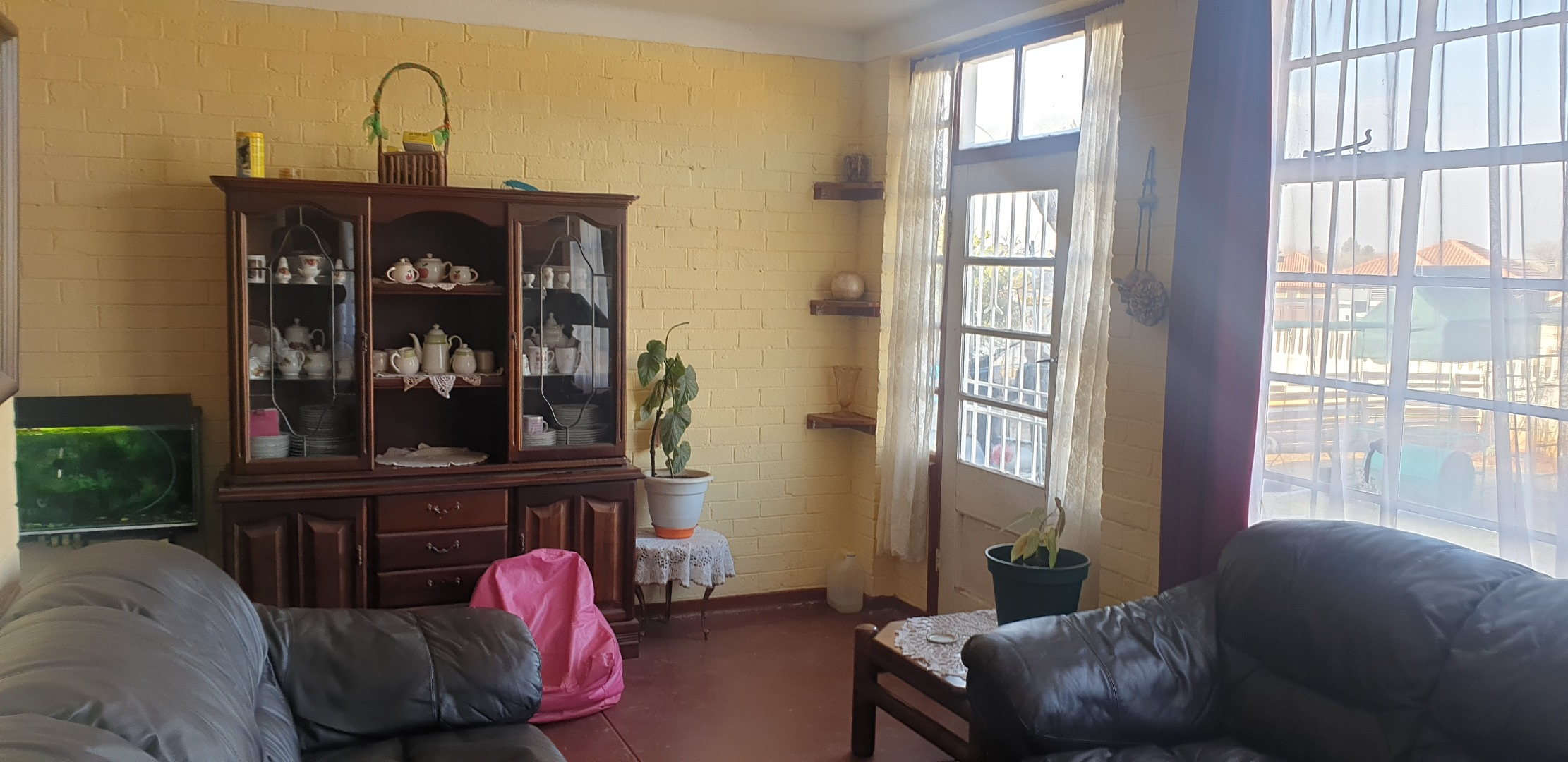 4 Bedroom House For Sale in Springs Central