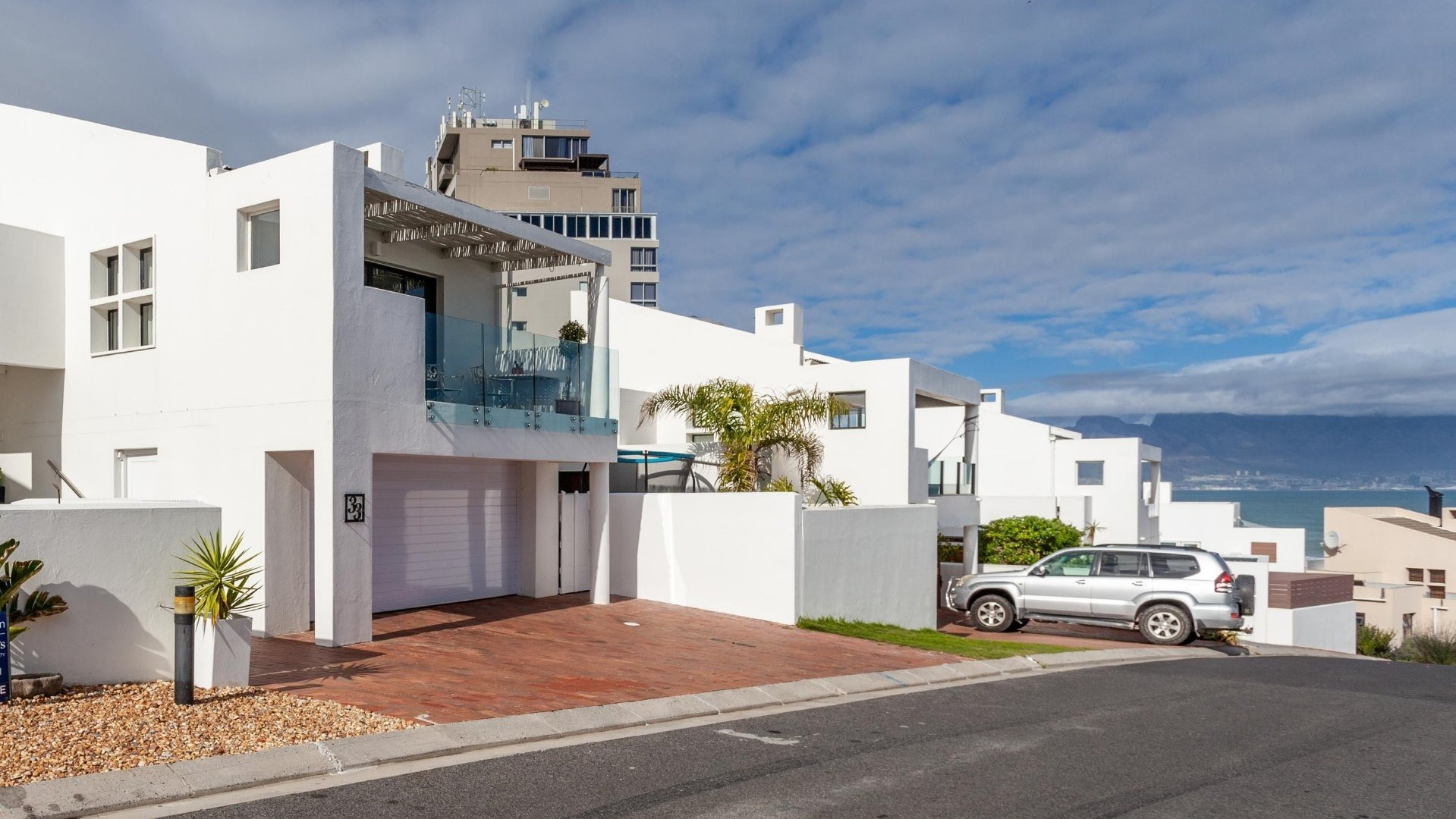 3 Bedroom House For Sale in Bloubergstrand