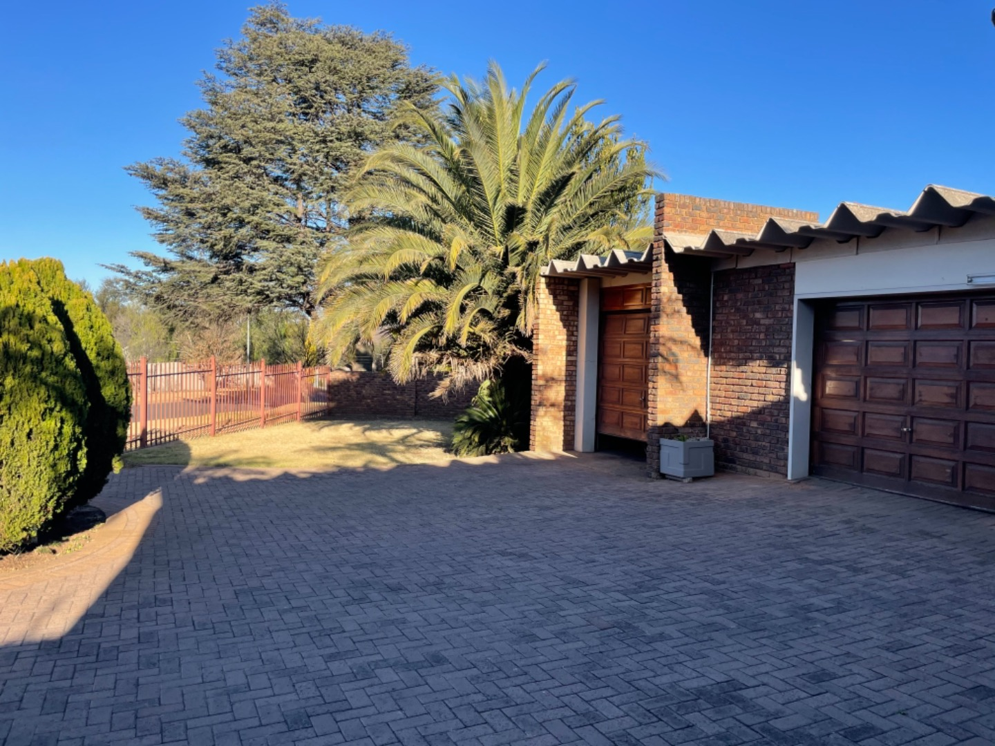 3 Bedroom House For Sale in Gholfsig