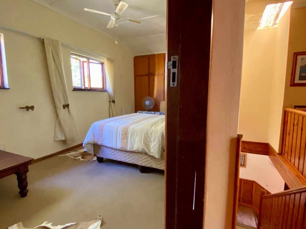 14 Bedroom House For Sale in Hoekwil