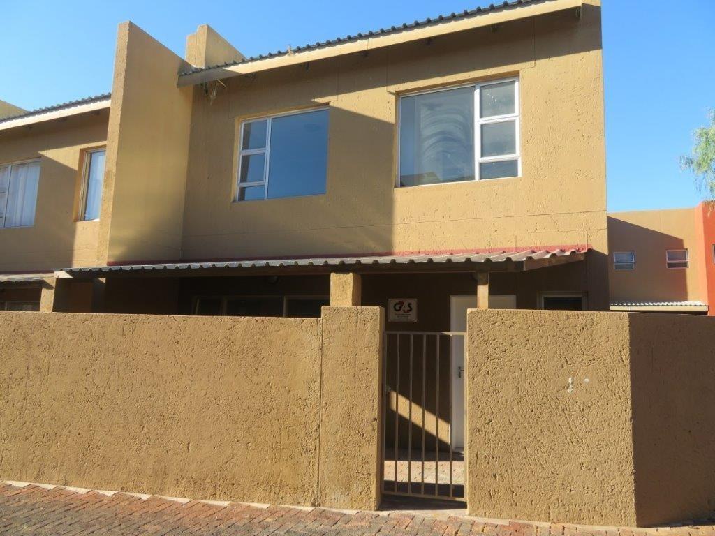 2 Bedroom Townhouse For Sale in Dorado Park