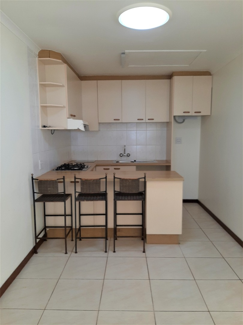 1 Bedroom Apartment / Flat To Rent in Peers Hill Estate