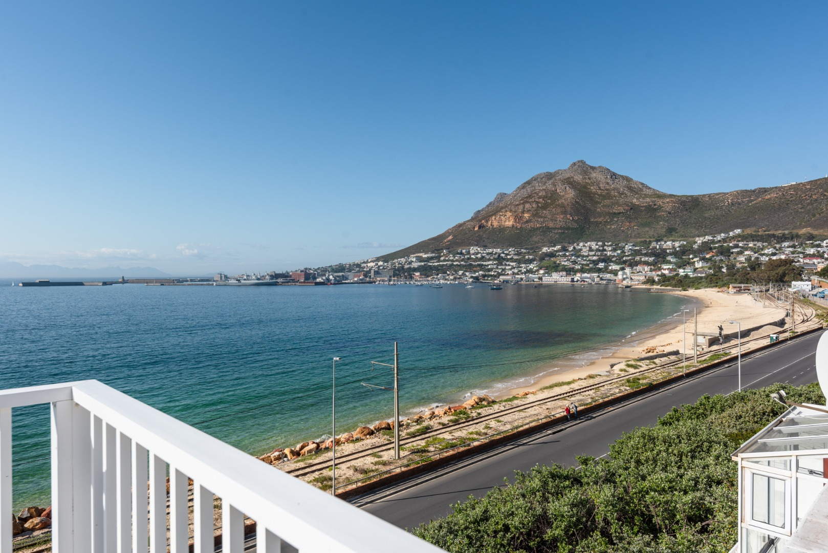3 Bedroom Townhouse For Sale in Simons Town Central