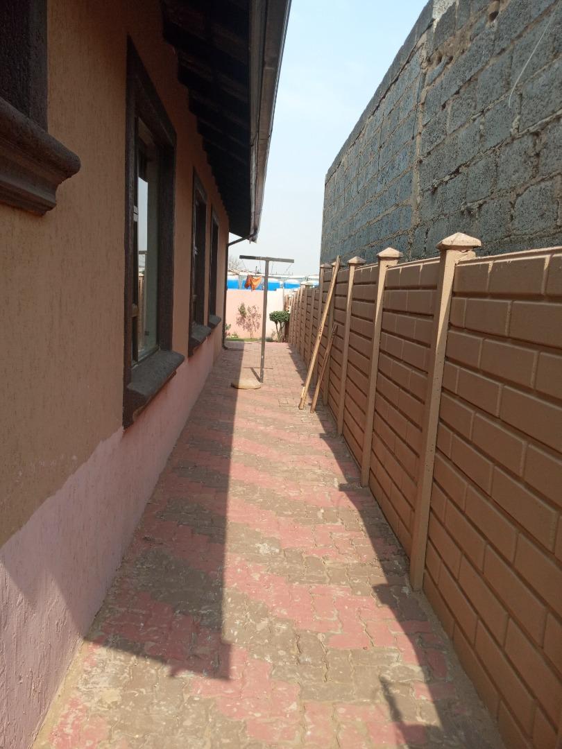 3 Bedroom House For Sale in Elindinga