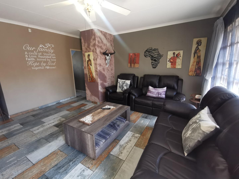 2 Bedroom House For Sale in Mokopane Central