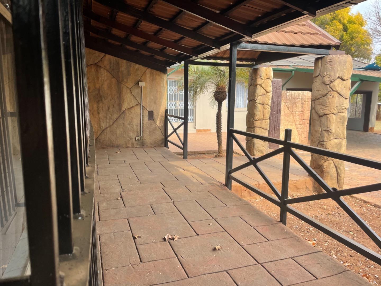 5 Bedroom House For Sale in Kanonkop